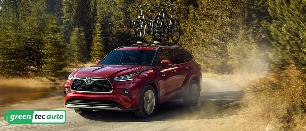 2020 Toyota Highlander Hybrid with bicycle rack
